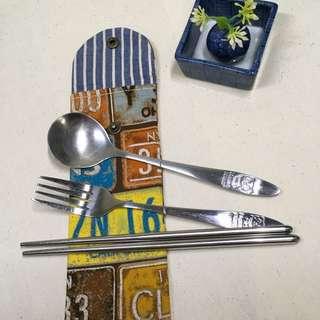🚚 日本棉麻布製作 簡單生活環保筷組袋筆袋彩妝工具袋7*20公分