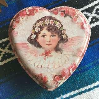 現貨美國二手Vintage 精緻娃娃頭愛心收藏鐵盒