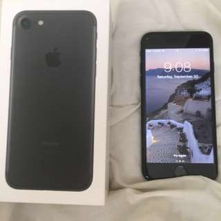 UNLOCKED** IPhone 7