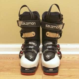 Salomon ski boots size 23.5