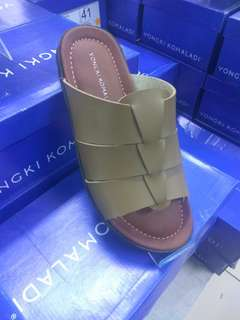 Sandal pria yongki komaladi