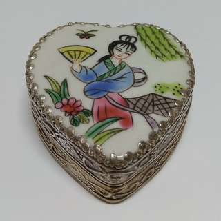 Silver-plated Hand-painted Jewelry Box Heart-shaped Beauty In Porcelain Surface Trinket box Bracelet box