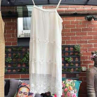 Pretty sportsgirl M size 10 lace dress cream off white