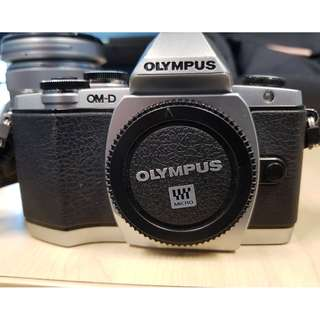 OLYMPUS OM-D E-M10 Interchangeable Lens Camera