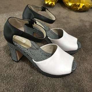 Pink black white size 8 fit 8.5 heel shoe