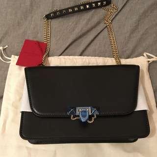 全新Valentino demilune shoulder bag 手袋