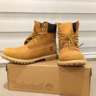 🚚 全新 Timberland 經典黃靴