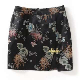 Traditional Short Skirt (BLACK)