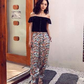 Top and Printed Pants Terno