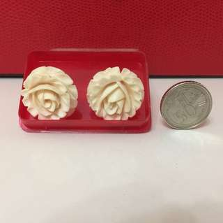 Authentic Ivory Carvings .( 1 pr Of rose  Carving Ear Ring )