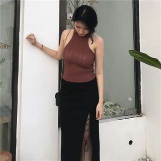 One piece burgundy ribbed neck sleeveless knitted fitted top, free size