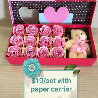 ❗️Super Gorgeous❗️🎁Handmade soap rose gift set 🎁IDEAL GIFT FOR VALENTINE'S DAY/BIRTHDAY/ANNIVERSARY 🎁12 stalks of scented roses 🌹+ a cutie bear *FREE greeting card upon request* Do refer to photos (real actual photos taken!) 😁