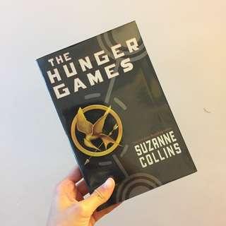 95%新 The Hunger Games 1 by Suzanne Collins // 飢餓遊戲 1