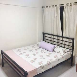 172 Bishan street 13  (Common Bedroom)  - Near MRT ! Wifi , All Genders Welcome!
