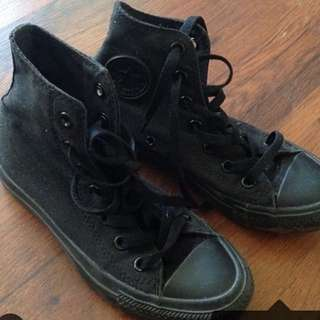 Black high top converse, size 6, very good condition
