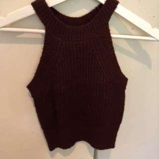 Maroon knit crop size XS