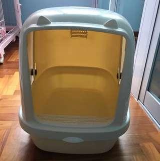 (Used) White litter box