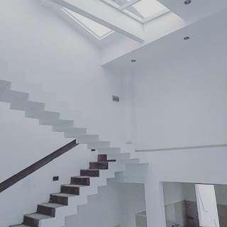 Bangun Rumah beserta interiornya