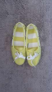 CROCS Yellow