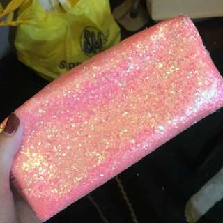 Forever 21 make up pouch