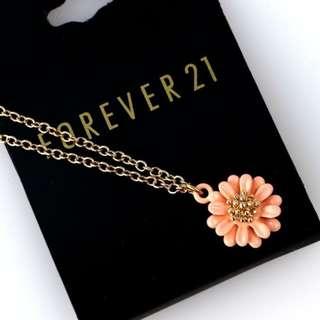 (3 LEFT!!) SALE! F21 Forever21 Ceramic Floral Pendant Necklace