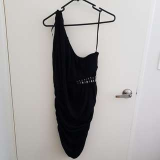Black one-shoulder party dress