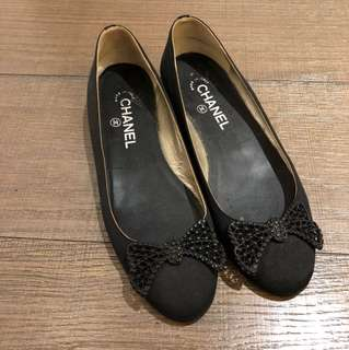 CHANEL SATIN PUMPS 38
