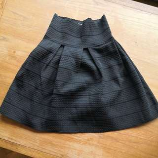 AS NEW Black Stretchy Poofy Skirt