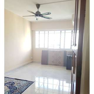 406 Woodlands Street 41 (Common Bedroom)  - 5 Mins to Marsiling MRT ! With Aircon / Wifi , ceiling Fan ; All Genders Welcome!