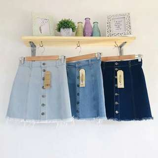 Botton down skirt