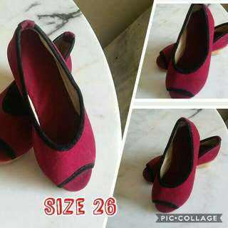 Shoes for liltle girl