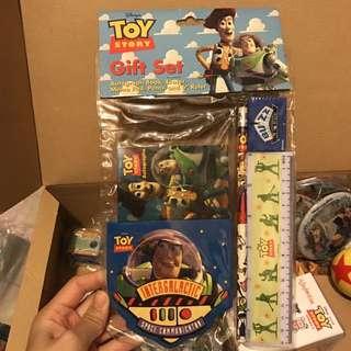 Toy story 反斗奇兵 迪士尼 彼斯 Disney Pixar 文具套裝 巴斯光年 胡迪 三眼仔 woody buzz