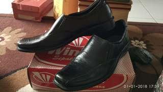 Sepatu kerja pantoefl pria kulit sapi asli / men leather shoes