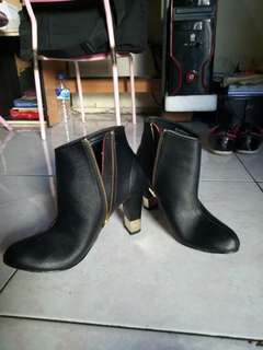 Sepatu boots studio nine