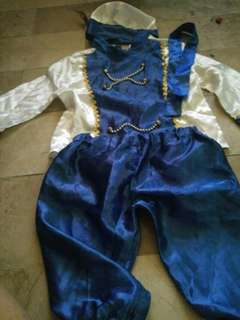 Price costume