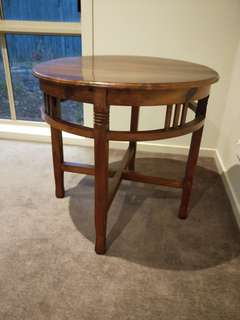 Antique / rustic / vintage table