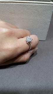 18K750白金 碎鑽戒指
