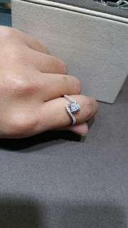 18K750 White Gold Ring