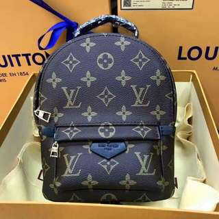AUTHENTIC QUALITY LOUIS VUITTON BQGS WITH RECEIPT AND BOX