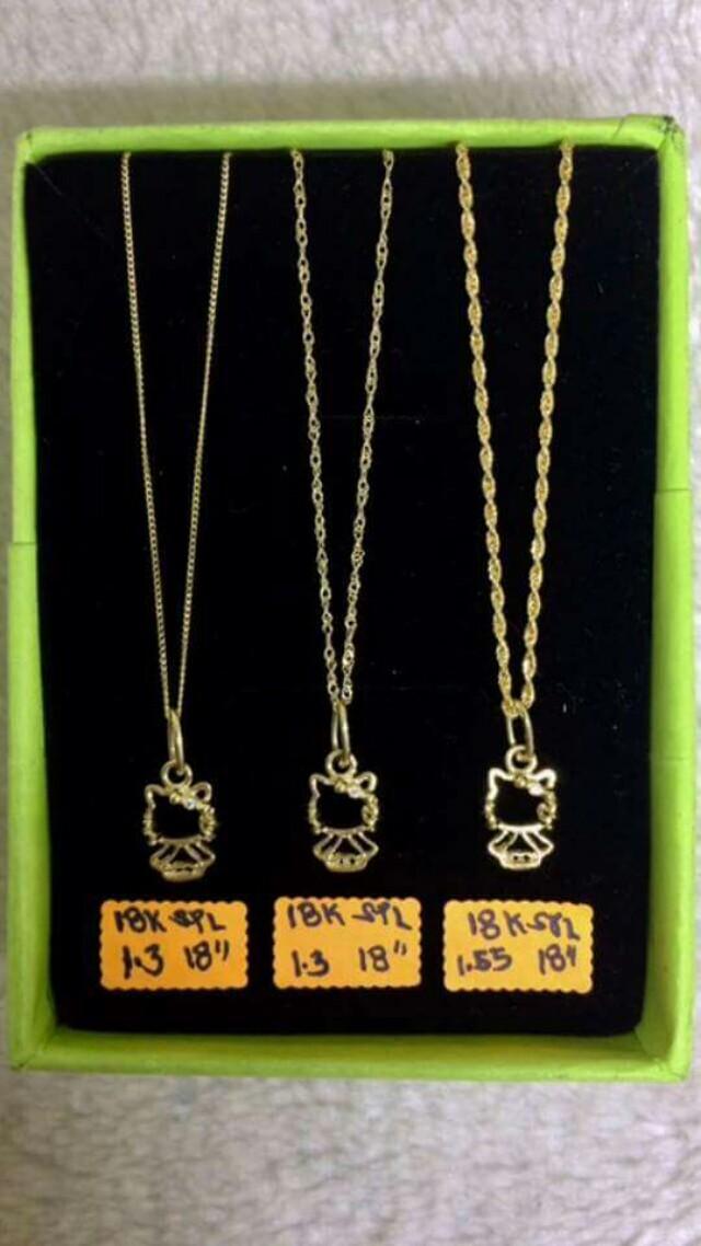 18k saudi gold necklaces....