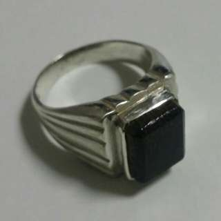 NFS. Example of fitted kayu in a silver 925 ring. (Customer's item)