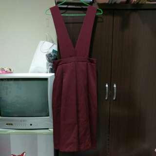 酒紅寬吊帶裙