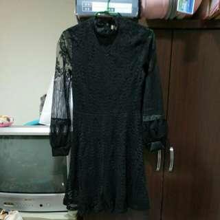黑色鏤空蕾絲連身洋裝