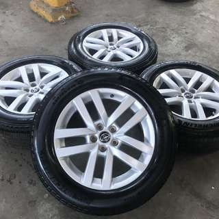 "2007-2017 Toyota Kluger Wagon Set of 19"" Alloy Wheels with Road Worthy Tyres"