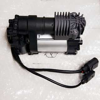 VW Touareg Porsche Cayenne 958 air suspension compressor pump 7P0698007