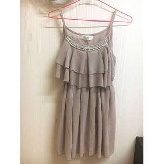 藕粉氣質荷葉洋裝