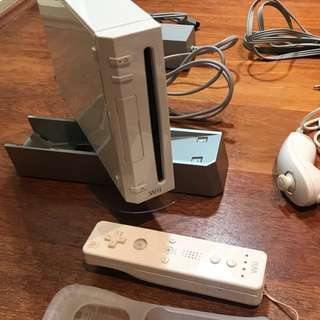 White Wii Console With 2 Games