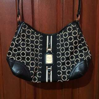 REPRICED! Tommy Hilfiger Women Hobo Fashion TH Logo Hand Bag (AUTHENTIC & PRE-LOVED)