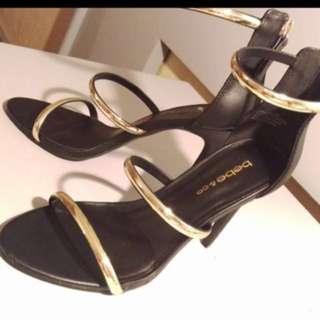 美國品牌金屬環高跟鞋
