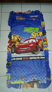 The cars biru sarung bantal cinta